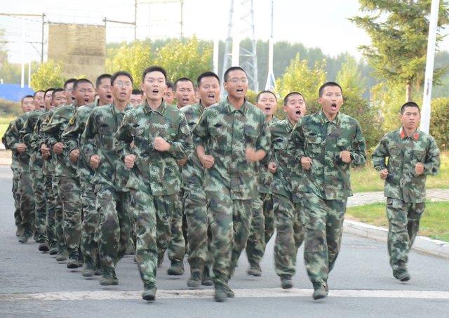 """图为""""特种部队""""学员体能训练照片-第三十七期 特种部队 人才选拔培图片"""